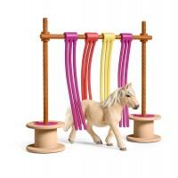 Schleich Farm World Tierfigur Pony mit Flattervorhang